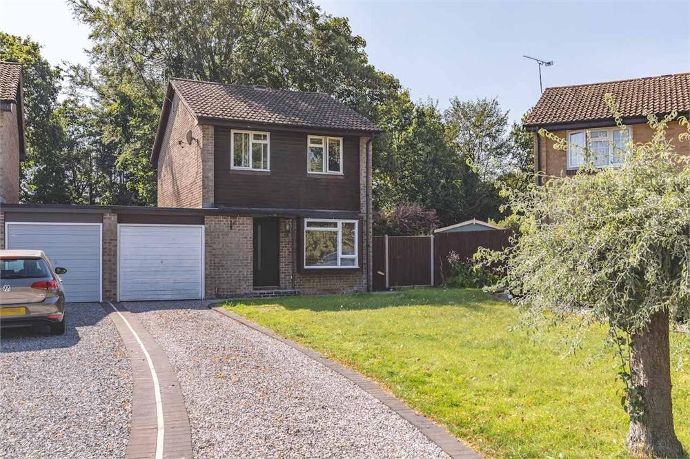 3 bed house for sale in Ruscombe Gardens, Datchet, Berkshire, Datchet, SL3