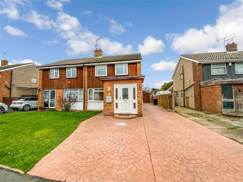 3 bed house to rent in Seacourt Road, Langley, Berkshire, Langley, SL3