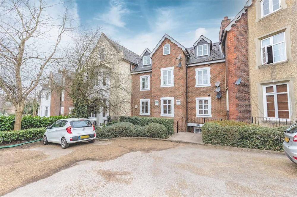 1 bed apartment for sale in Upton Park, Slough, Berkshire, Slough, SL1