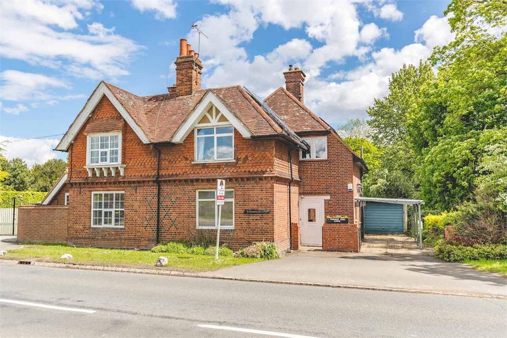 3 bed house for sale in Farnham Park Lodge, Beaconsfield Road, Farnham Royal, Buckinghamshire, Farnham Royal, SL2