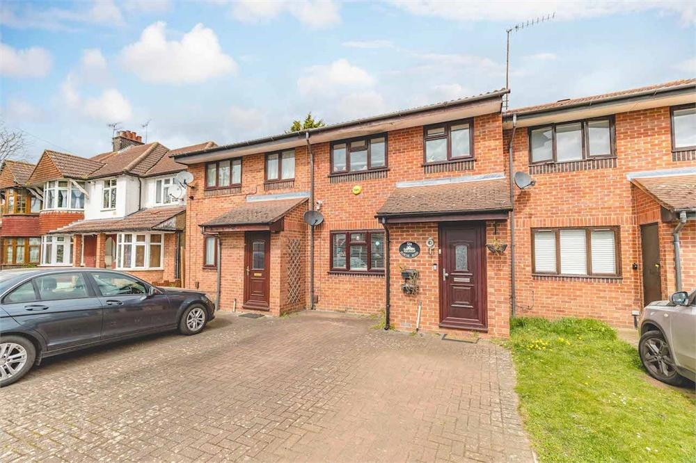 3 bed house for sale in Downs Road, Langley, Berkshire, Langley, SL3