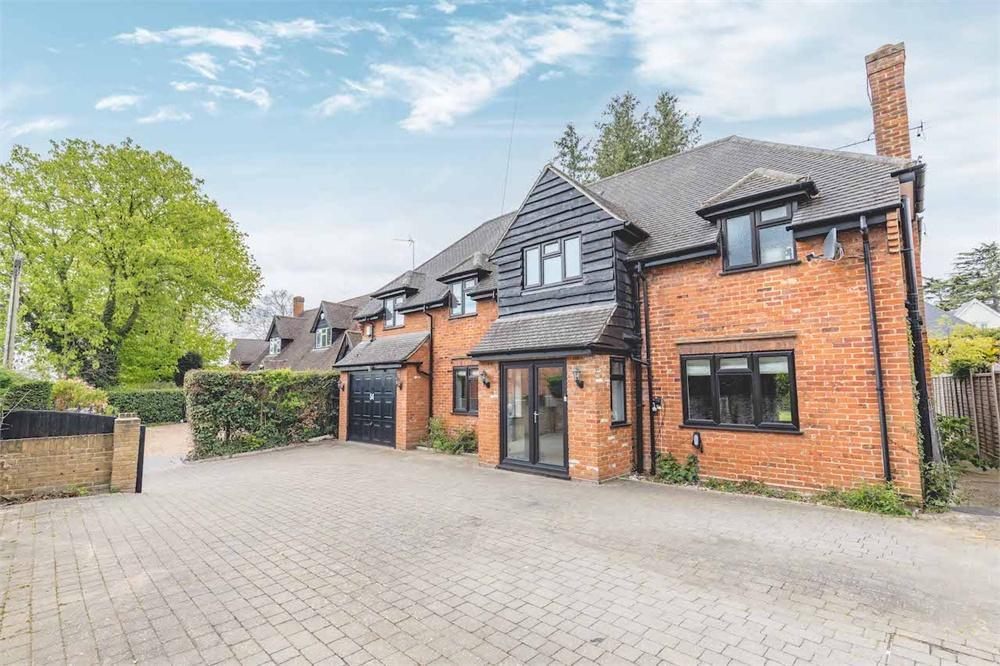 6 bed house for sale in Hogfair Lane, Burnham, Buckinghamshire, Burnham, SL1