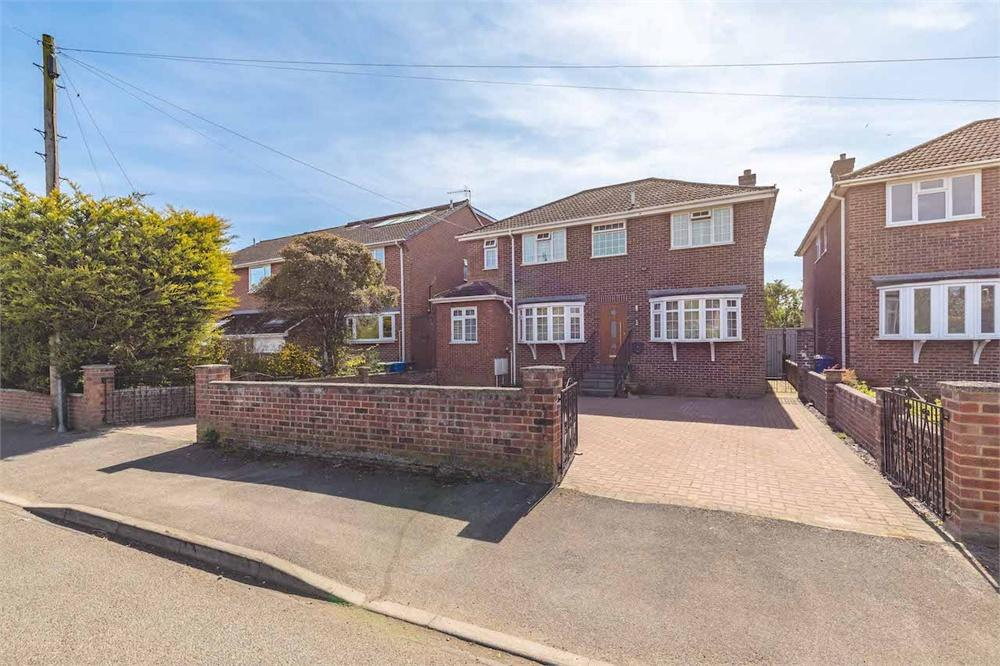 5 bed house for sale in Gloucester Drive, Staines-Upon-Thames, Berkshire, Staines-Upon-Thames, TW18
