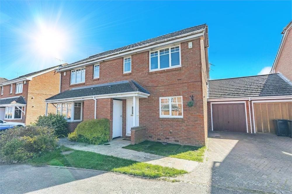 3 bed house to rent in Willow Wood Close, Burnham, Buckinghamshire, Burnham, SL1