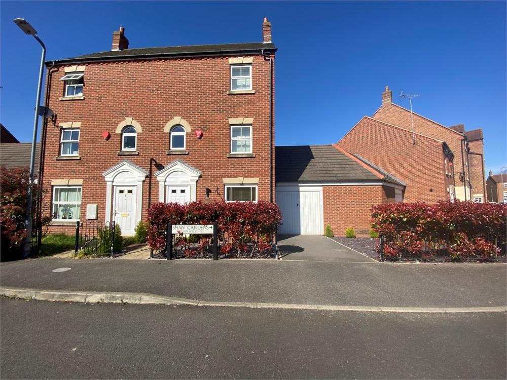 4 bed house to rent in Shaw Gardens, Langley, Berkshire, Langley, SL3