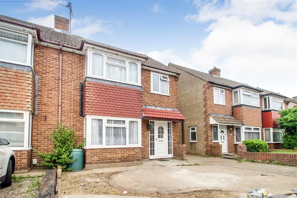 5 bed house to rent in Blossom Way, West Drayton, Greater London, West Drayton, UB7