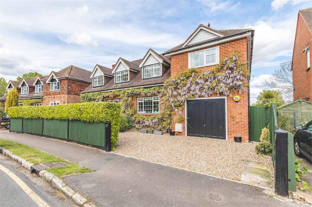5 bed house for sale in Montagu Road, Datchet, Berkshire, Datchet, SL3