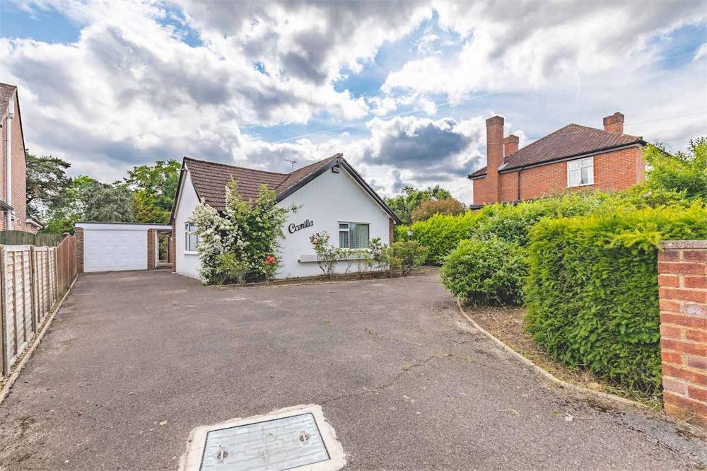 2 bed house for sale in Simons Walk, Englefield Green, Surrey, Englefield Green, TW20