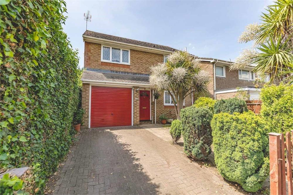 3 bed house for sale in Horsemoor Close, Langley, Berkshire, Langley, SL3