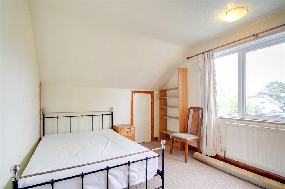 Apartment to rent in Dawley Avenue, Uxbridge, Greater London, Uxbridge, UB8