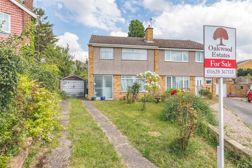 3 bed house for sale in Briar Close, Taplow, Buckinghamshire, Taplow  - Property Image 1
