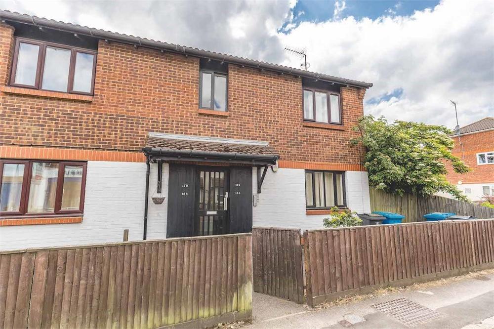 1 bed apartment for sale in Horton Road, Datchet, Berkshire, Datchet, SL3