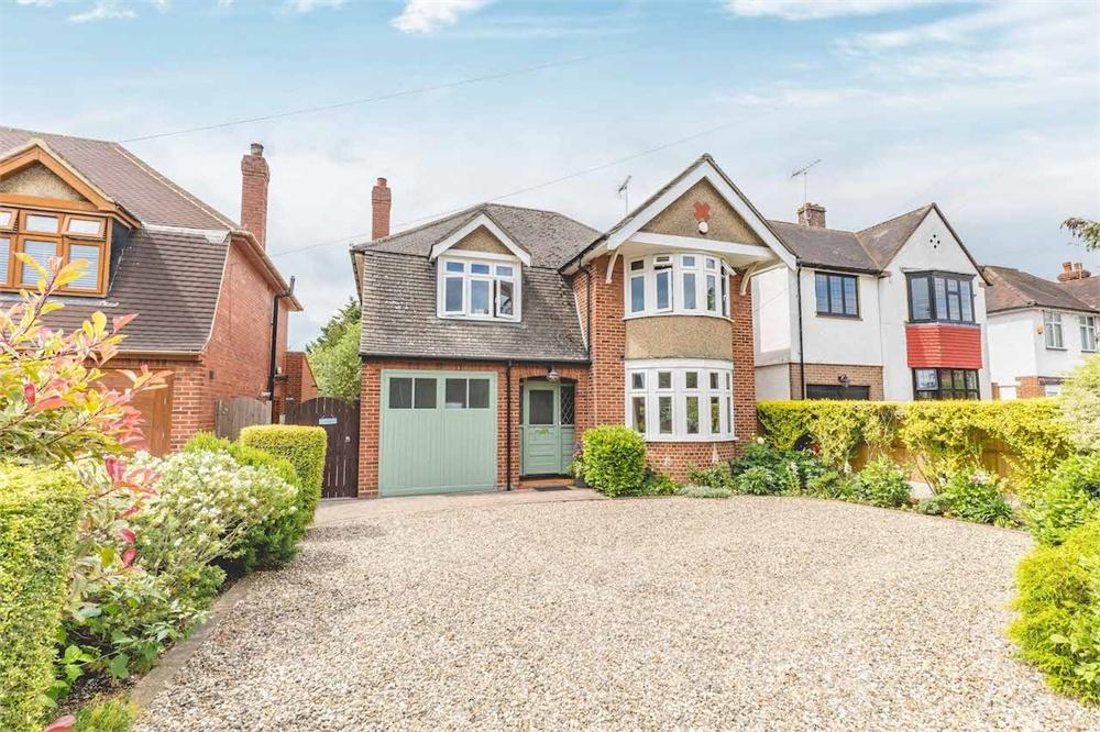 5 bed house for sale in Lynwood Avenue, Langley, Berkshire, Langley, SL3