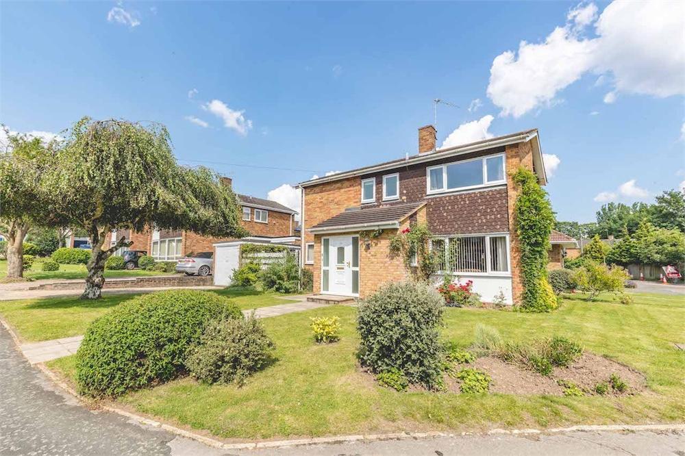3 bed house for sale in St Peters Close, Burnham, Buckinghamshire, Burnham, SL1
