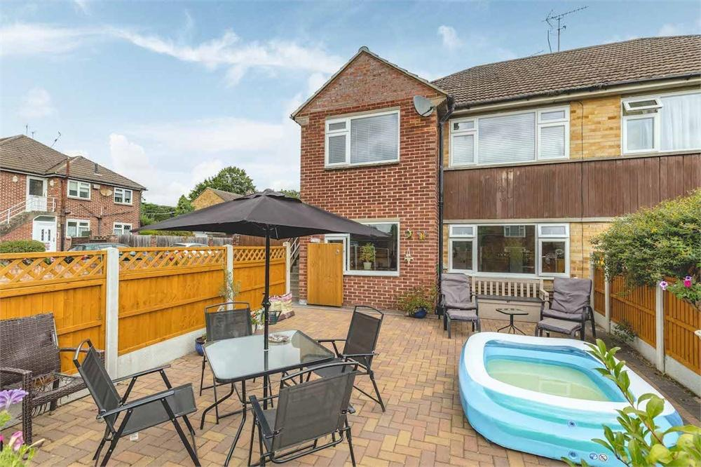 2 bed apartment for sale in Denham Green Lane, Denham Green, Buckinghamshire, Denham Green, UB9