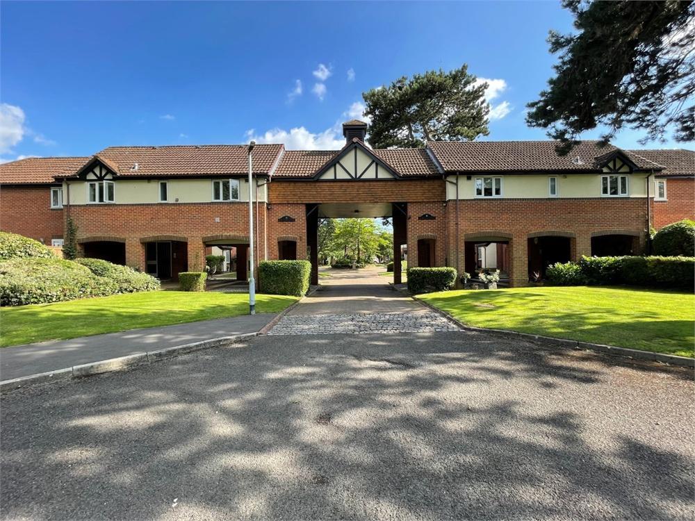 2 bed house to rent in Helston Lane, Windsor, Berkshire, Windsor, SL4