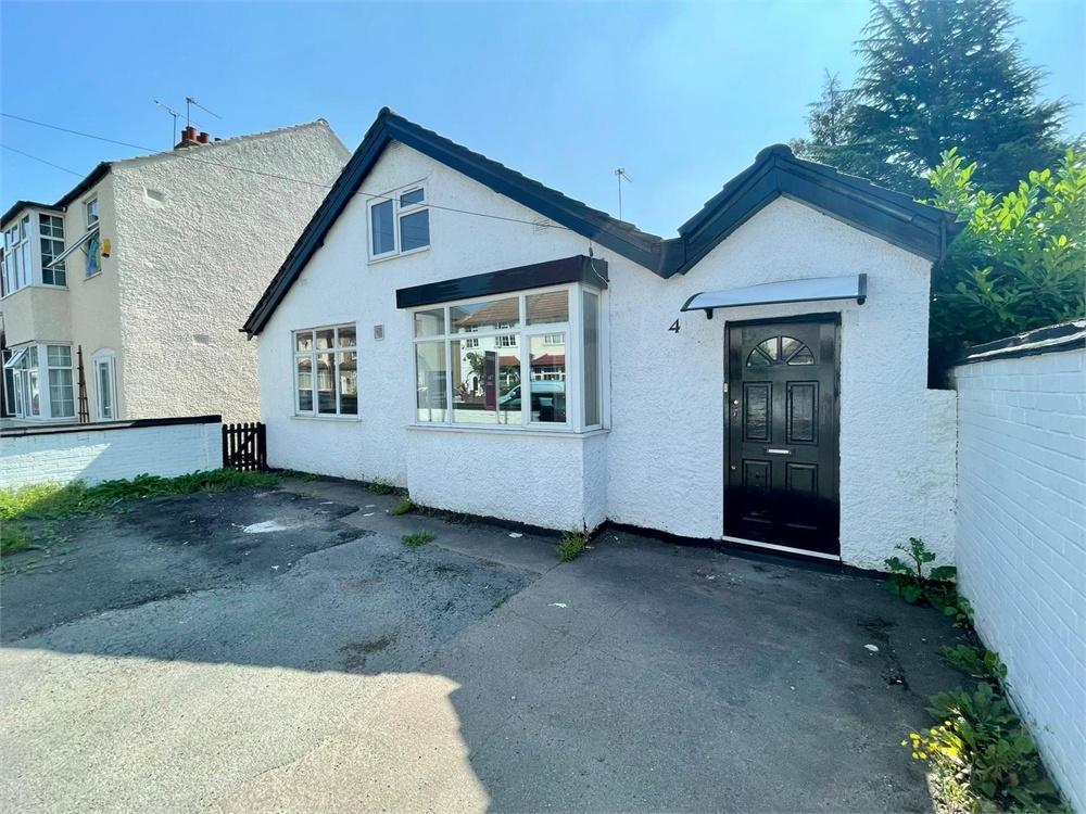 5 bed house to rent in Moorfield Road, Uxbridge, Middlesex, Uxbridge, UB8