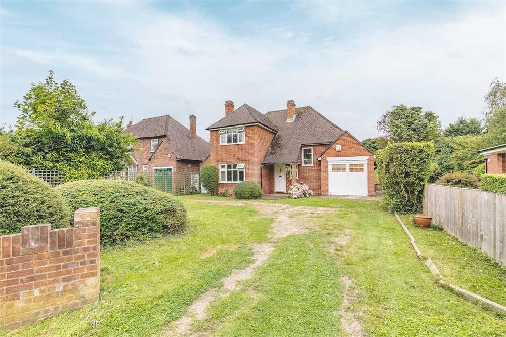 3 bed house for sale in Slough Road, Datchet, Berkshire, Datchet, SL3