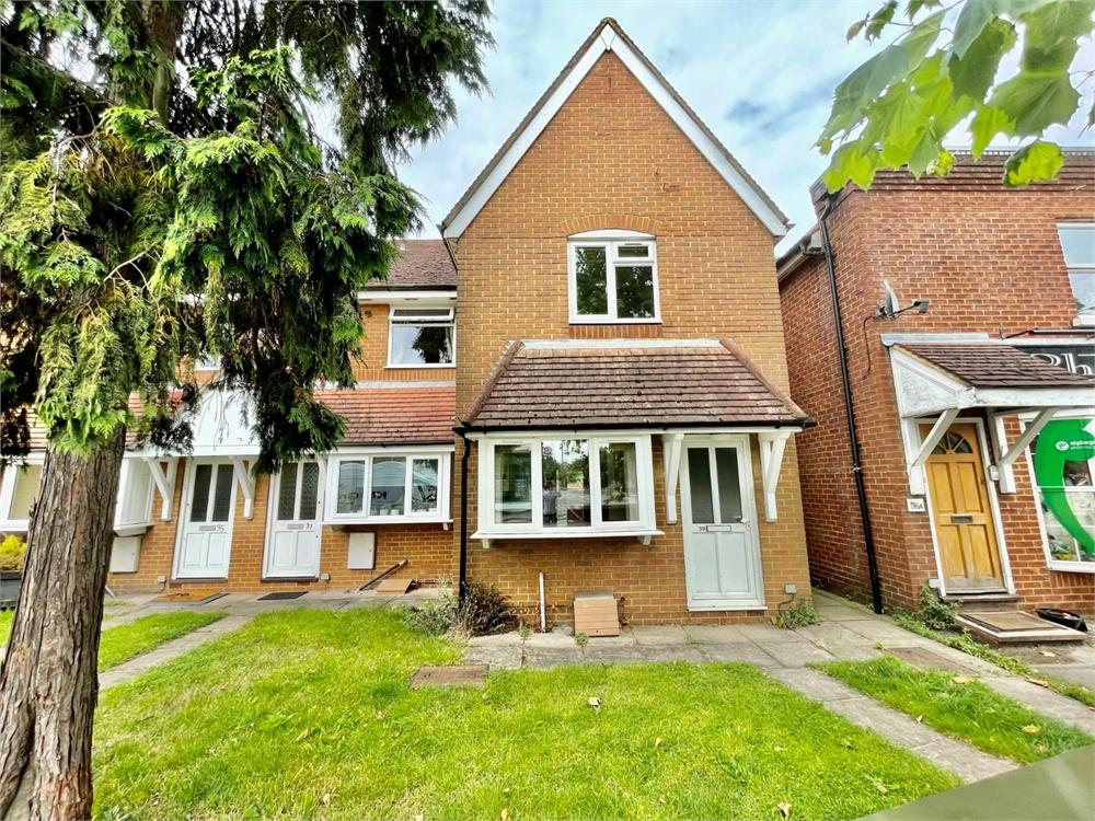 2 bed house to rent in Windsor Road, Wraysbury, Staines - Upon - Thames, Wraysbury, TW19