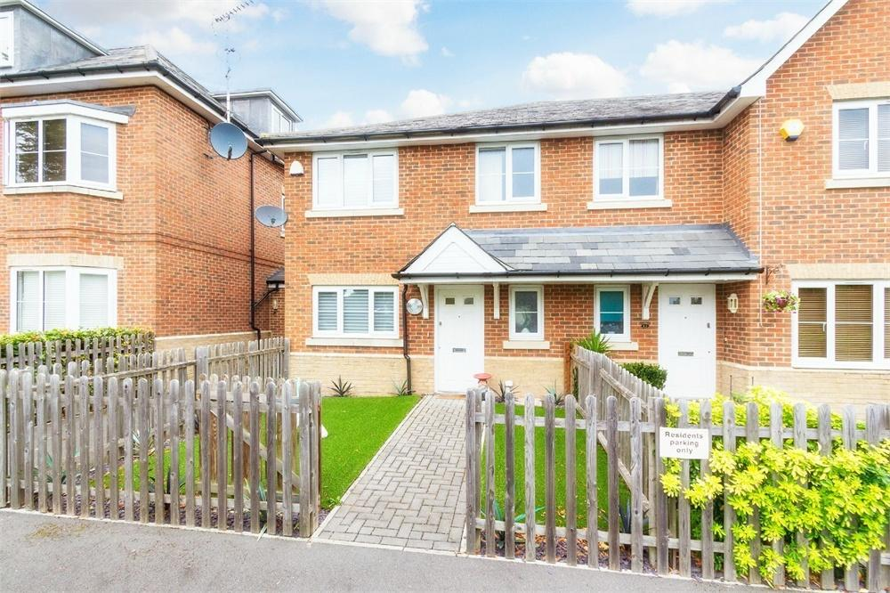 3 bed house to rent in Winch's Meadow, Burnham, Buckinghamshire, Burnham, SL1