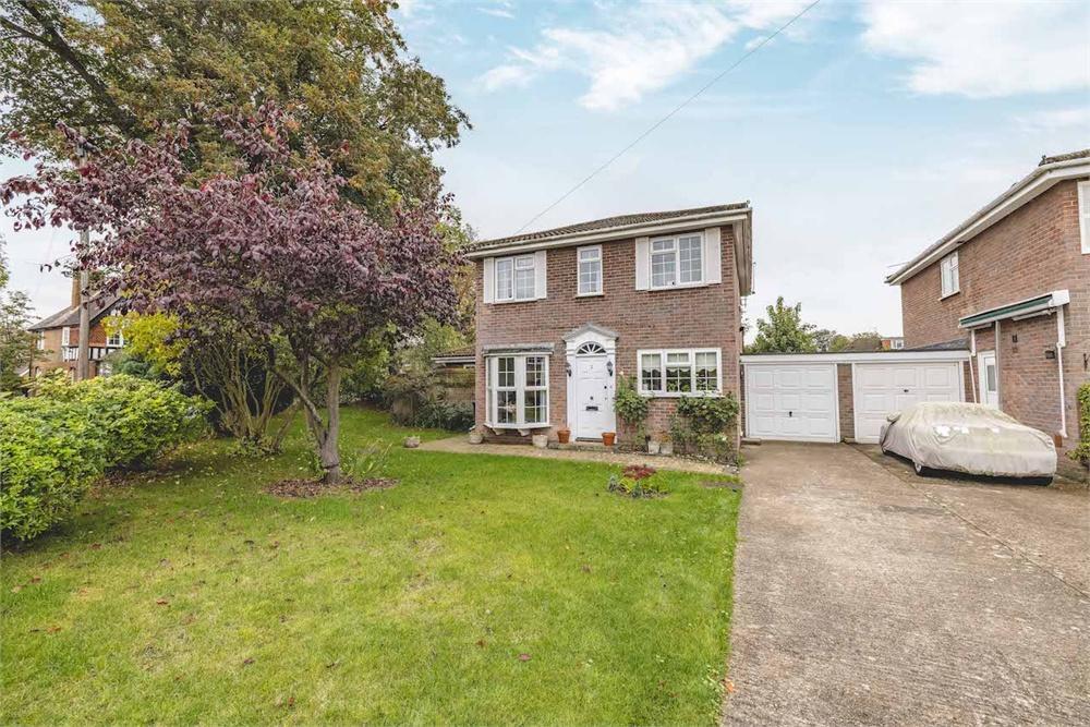 5 bed house for sale in Eton Close, Datchet, Berkshire, Datchet, SL3
