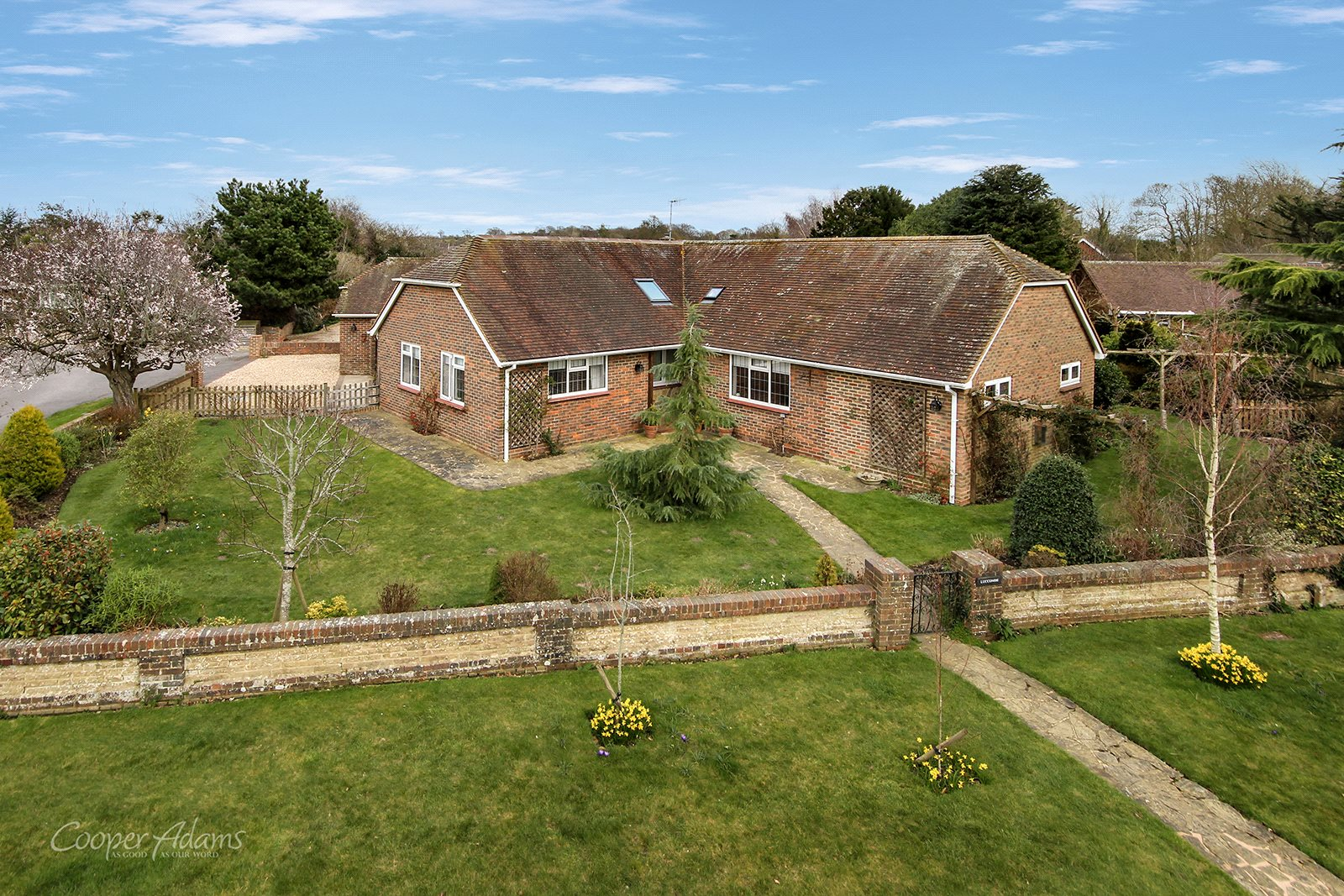 3 bed bungalow for sale in The Avenals, Angmering  - Property Image 1