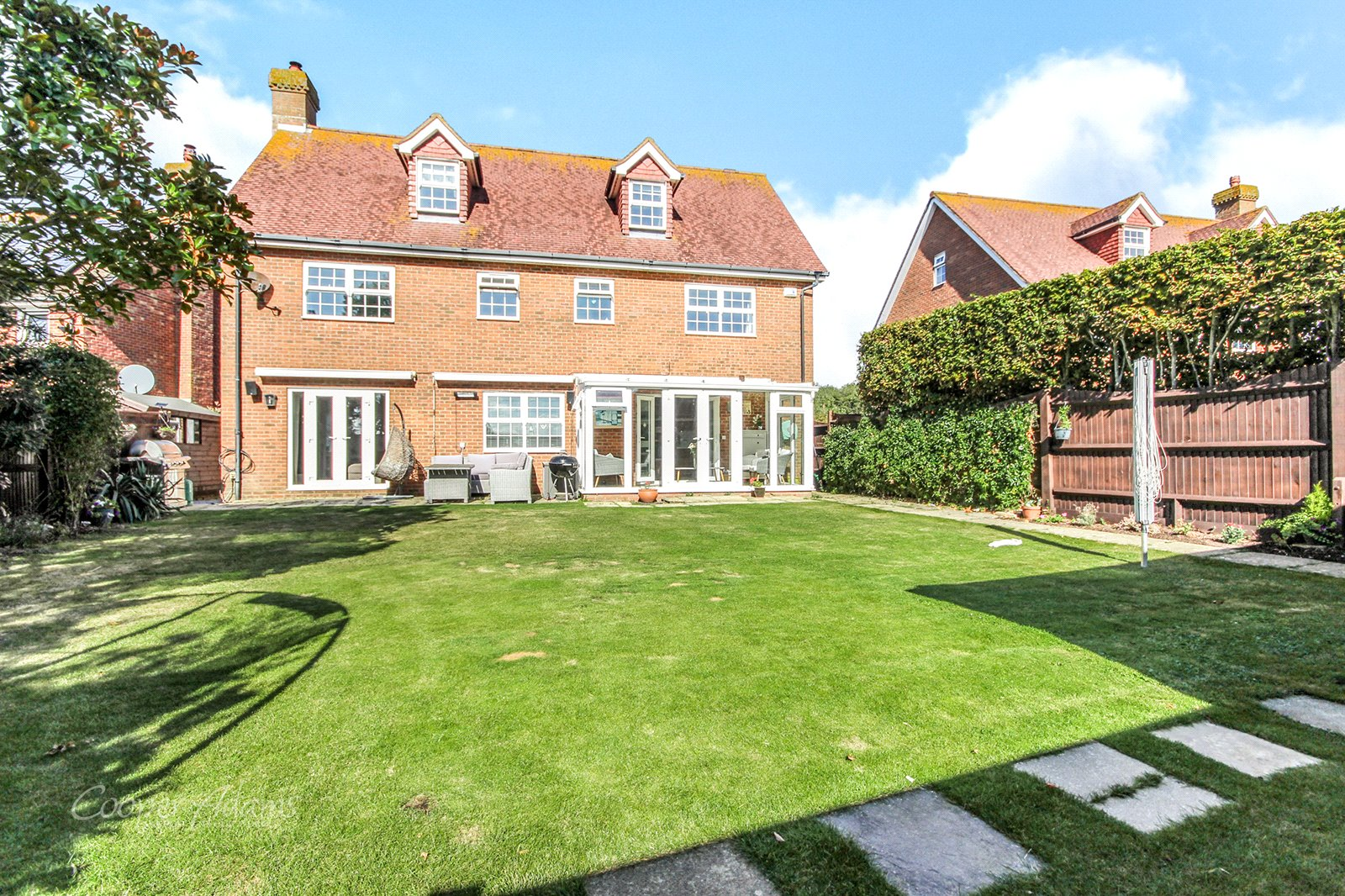 6 bed house for sale in Bramley Way, Angmering, BN16