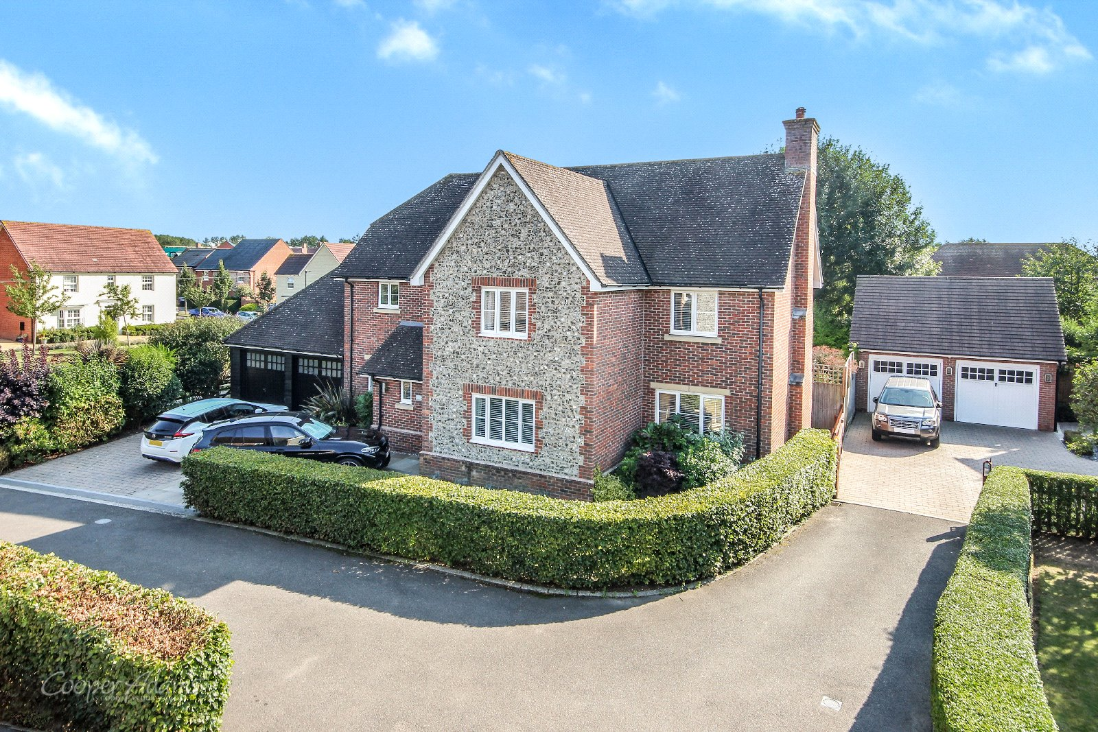 5 bed house for sale in The Chantrelles, Angmering, BN16