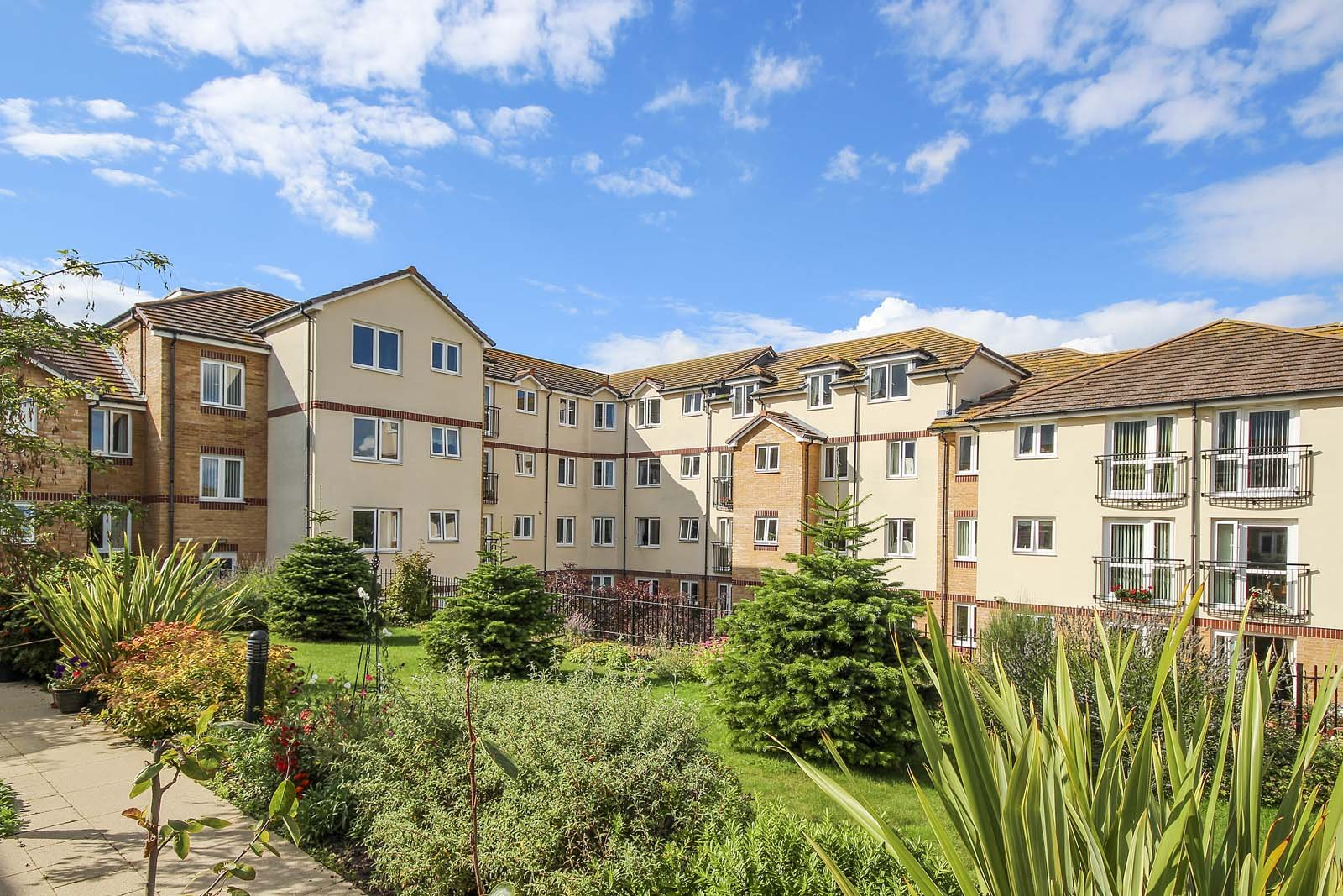 2 bed apartment for sale in East Preston, BN16