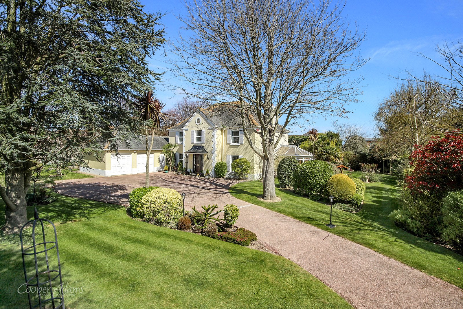 5 bed house for sale in The Oaks, The Willowhayne, Rustington, BN16