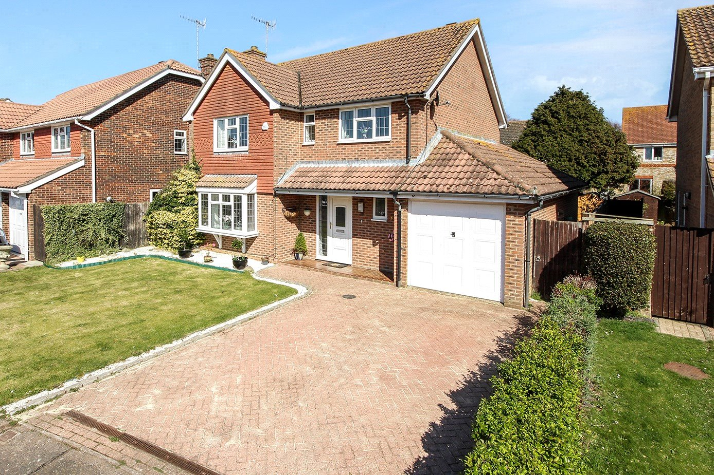 4 bed house for sale in Apple Tree Walk, Climping  - Property Image 1