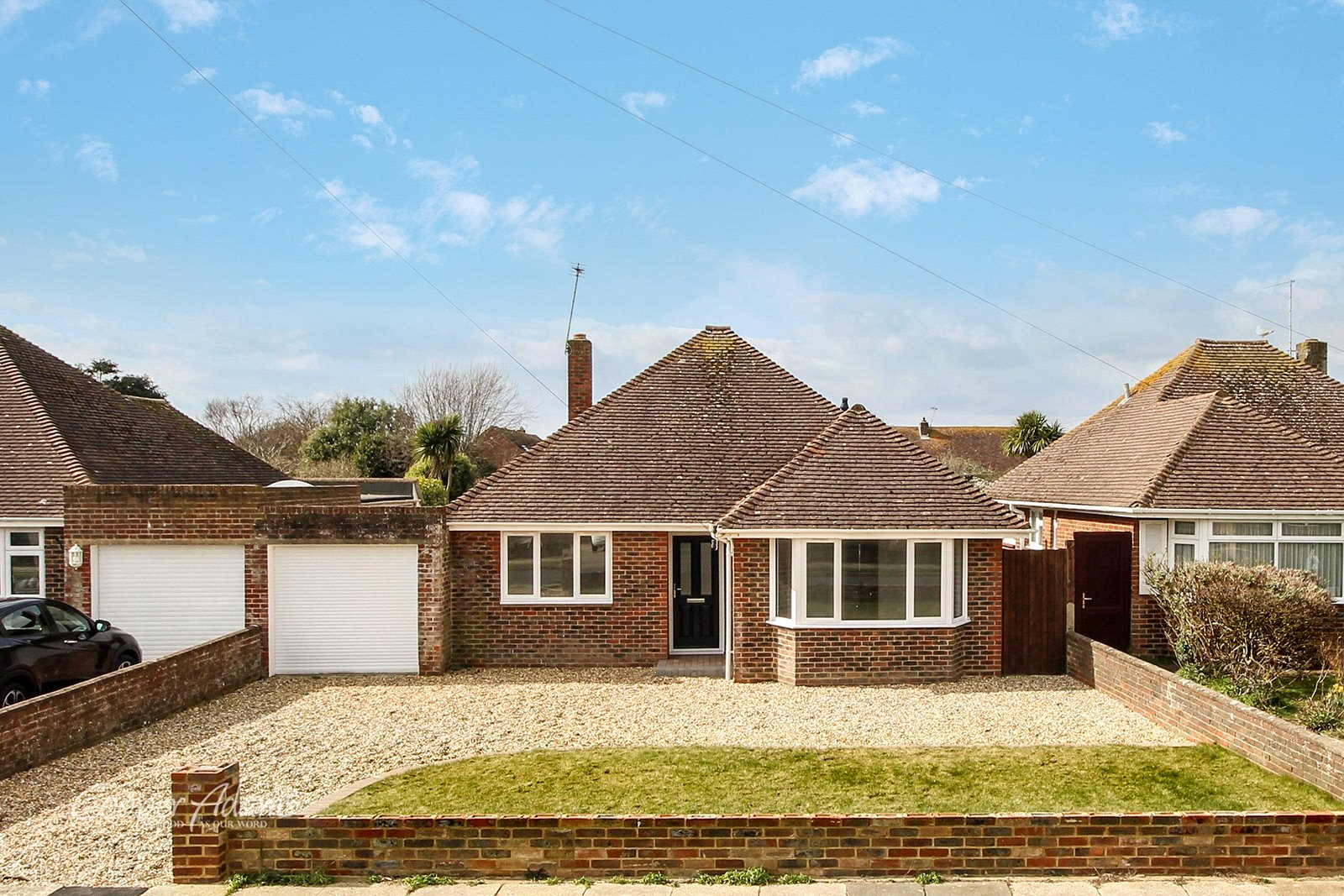 3 bed bungalow for sale in Evelyn Avenue, Rustington  - Property Image 1