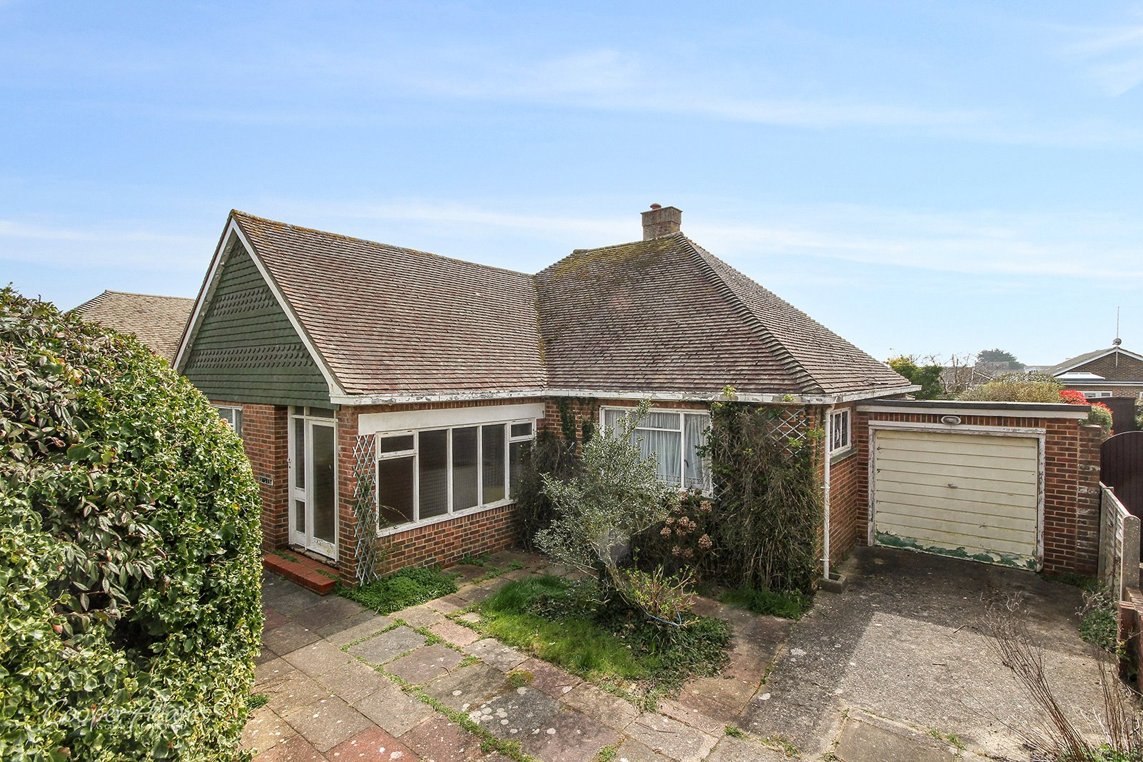 2 bed bungalow for sale in Hudson Drive, Rustington  - Property Image 1