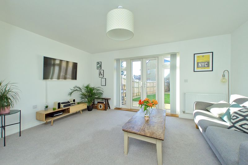 2 bed house for sale in Longacres Way, Chichester  - Property Image 1