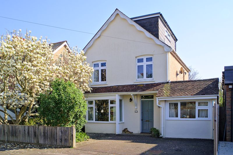 3 bed house for sale in Tregarth Road, Chichester - Property Image 1