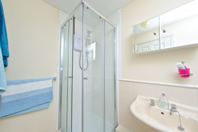 3 bed house for sale in Peacock Close, Chichester  - Property Image 11