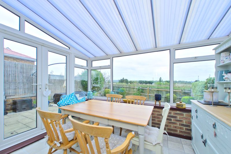 3 bed house for sale in Peacock Close, Chichester  - Property Image 5