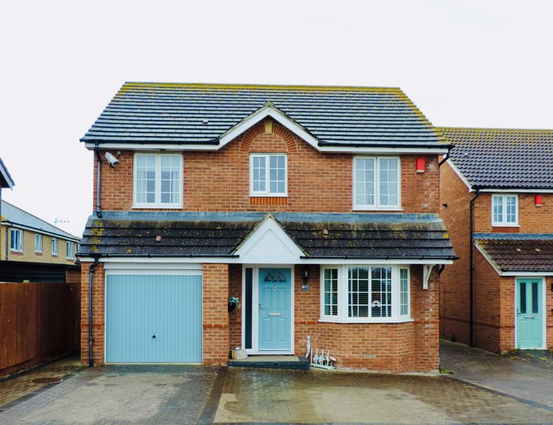 4 bed house for sale in Shalbourne Crescent, Chichester - Property Image 1