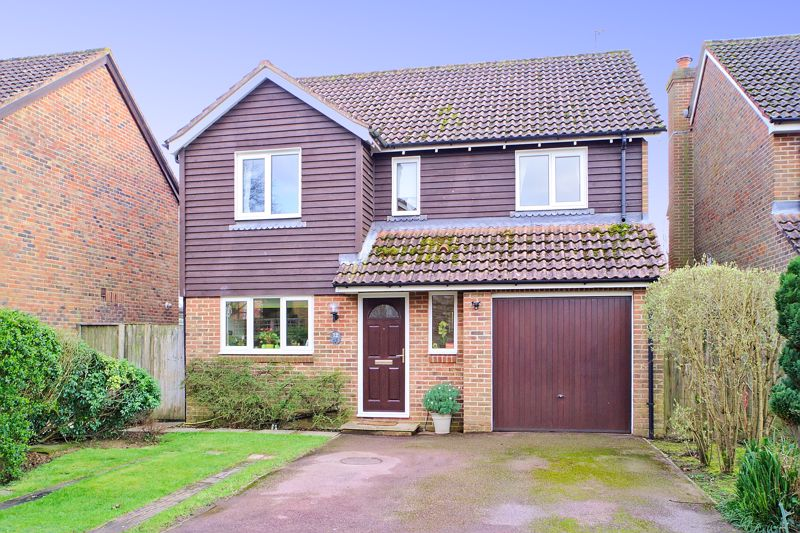 4 bed house for sale in Nelson Close, Chichester 0