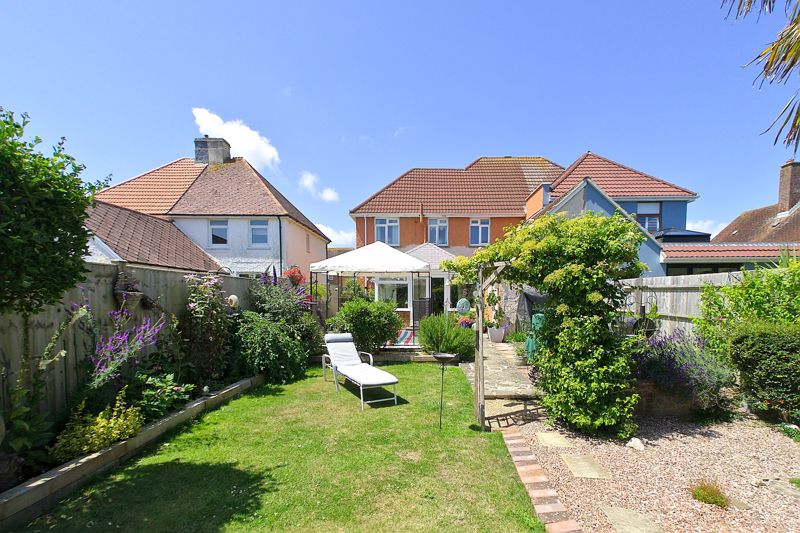 3 bed house for sale in Clovelly Road, Emsworth  - Property Image 1