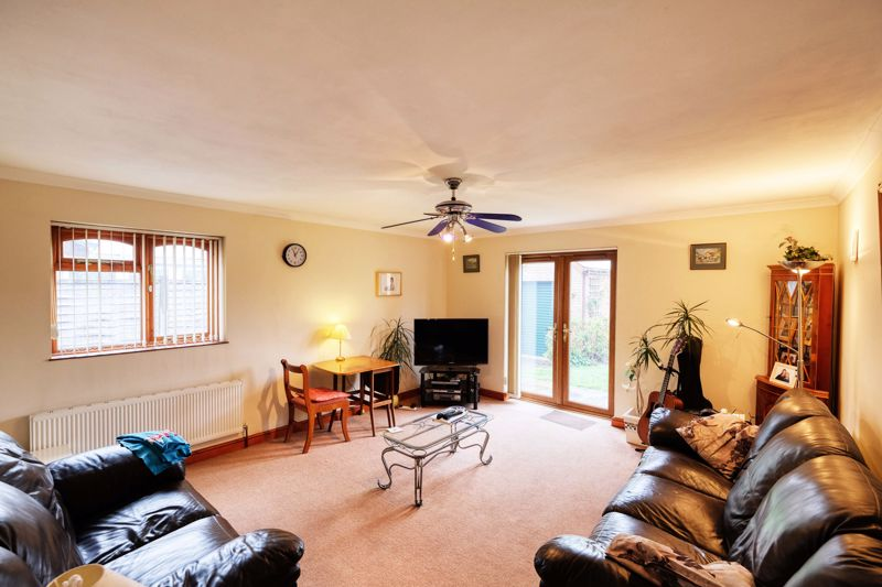 3 bed bungalow for sale in Queens Gardens, Chichester 1