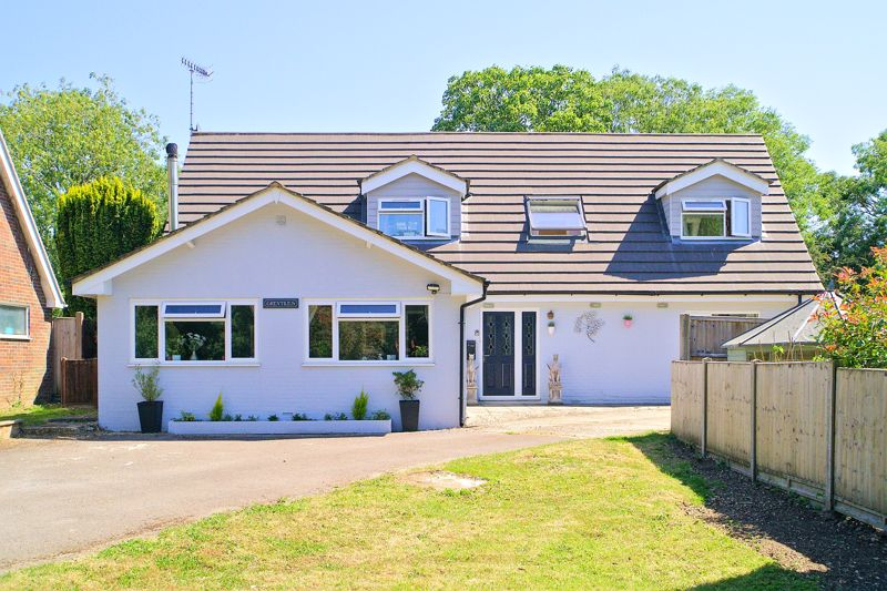 4 bed bungalow for sale in Claypit Lane, Chichester  - Property Image 1