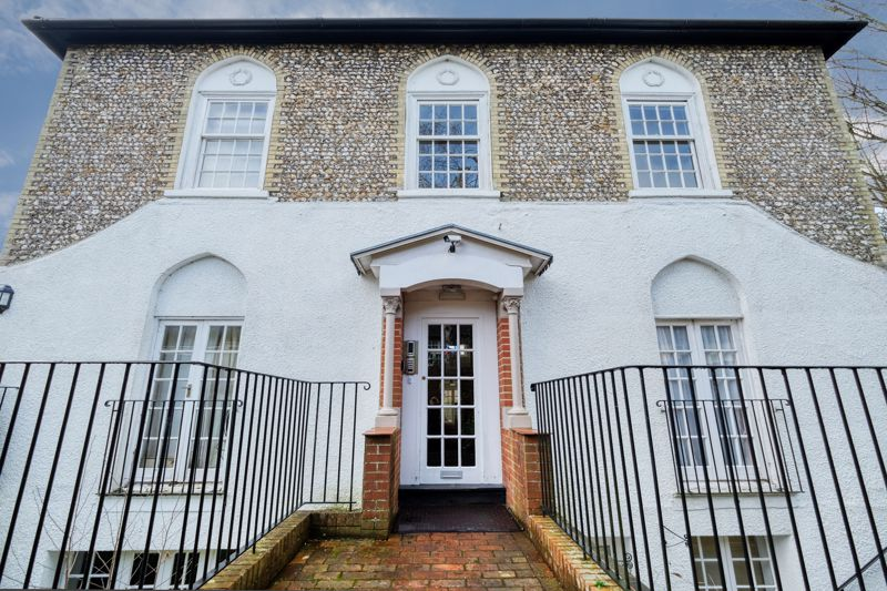 1 bed flat for sale in St. Pauls Road, Chichester  - Property Image 1