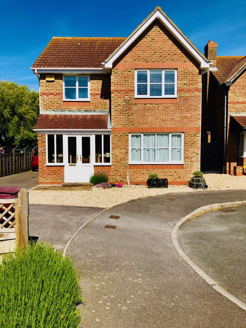 3 bed house for sale in Woodborough Close, Chichester - Property Image 1