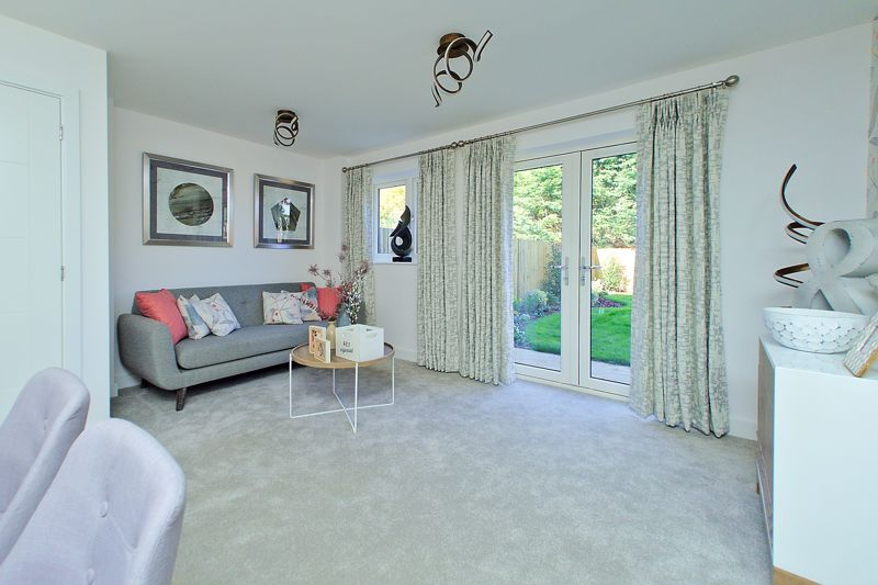 3 bed house for sale in North End Road, Arundel 1