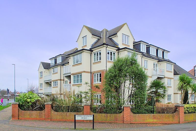 <br/><br/>White and Brooks are delighted to offer this age restricted second floor retirement apartment, situated close to Hotham Park, the town centre and local amenities. The property benefits from a communal Lounge, Laundry Room, guest over night accommodation room and House Manager for residents. The accommodation briefly comprises, one double Bedroom, Living Room, Kitchen and Shower Room.  There is also well presented communal grounds and residents parking. An internal viewing is essential to appreciate all the property has to offer.