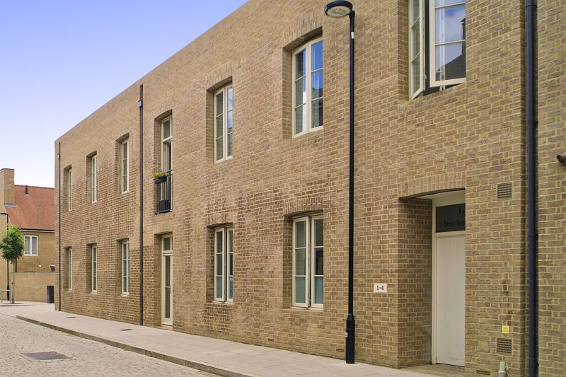 2 bed flat for sale in Fletcher Avenue, Chichester  - Property Image 1