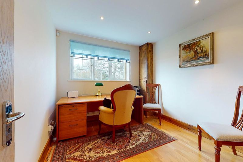 4 bed house for sale in Newells Lane, Chichester 5