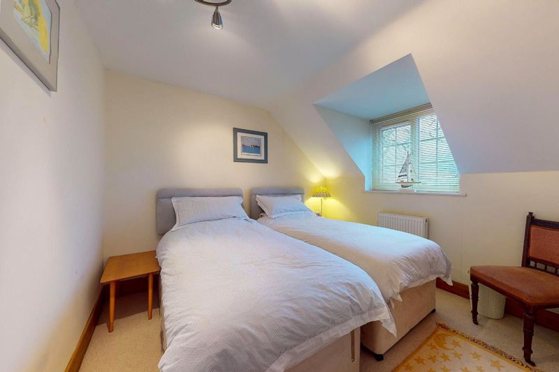 4 bed house for sale in Newells Lane, Chichester  - Property Image 8