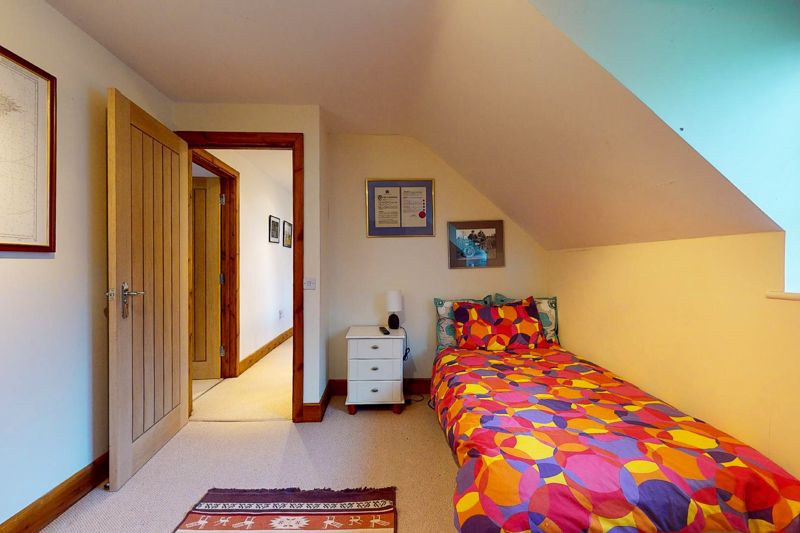 4 bed house for sale in Newells Lane, Chichester 9